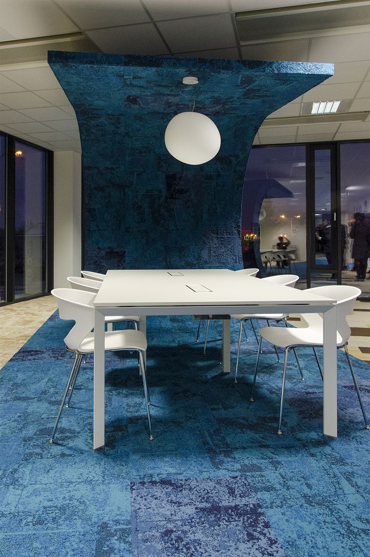 New collection Net Effect (Interface) from David Oakey, biophilie, showroom in Prague. Carpet tiles