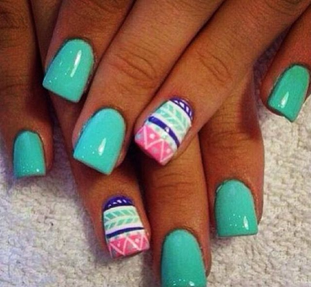 These nails are perfect for Easter! #EasterNails #TealNails #Manicure