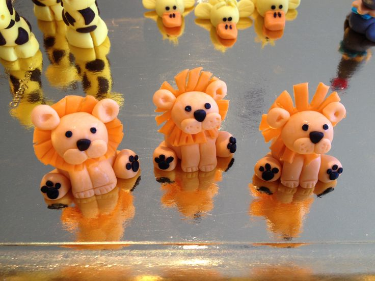 Baby Lion - colored vanilla fondant cupcake toppers