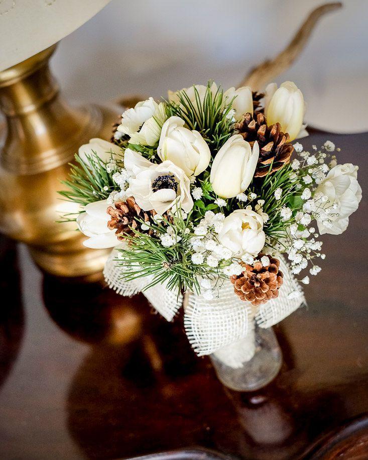 Che il #weekend abbia inizio   #Event_ualmente #weddingplanner #bouquet #matrimonio #fiori #anemoni #tulipani #pigne #Lecco