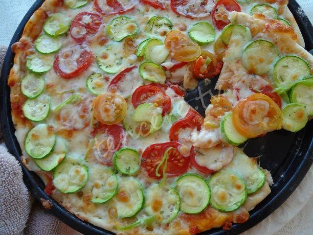 En çok sorulan sorulardan bir tanesini sizin için hazırladık. Güzel bir pizza nasıl yapılır.