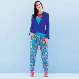 Deze broek zit comfortabel door het elastiek in de taille. Leuk te combineren met een wijdvallende blouse of een strakke top.