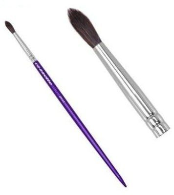 S185 Mini Cylinder Cozzette Eye Contour brush The long handled mini eye countour brush is the perfectly shaped crease brush suitable for creating fine detail in the crease of the eye or around the lash line. Ideal for smaller eye shapes.The brush is from the Divinity collection of Cozzette brushes which are not only 100% vegan but are designed by a true innovator,educator and artist.Created b...