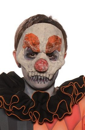 #28483 Your child's jokes will cause even more laughter with this Evil Clown Child Mask. Nobody will dare not to laugh after hearing those punch lines! Includes: 1 Child Mask