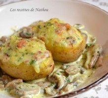 Recette - Pommes de terre farcies au lard et Reblochon, champignons à la crème - Notée 4.5/5 par les internautes