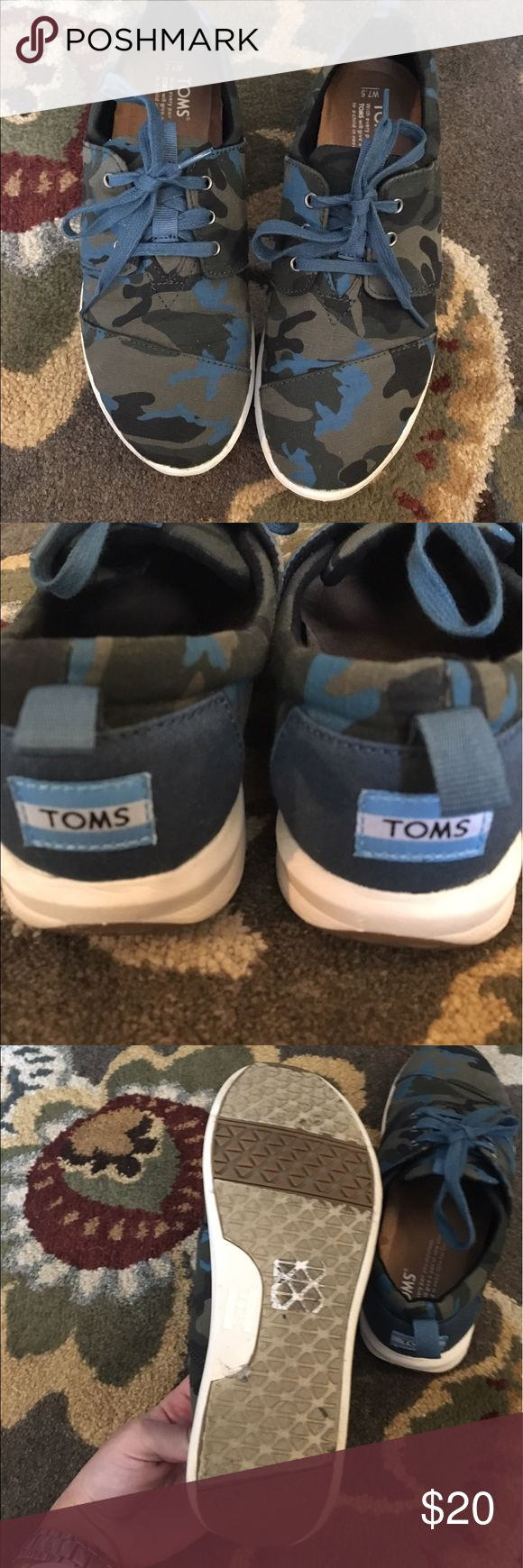 Gently Used TOMS Camo Del Ray Sneaker Gently used TOMS Camo Del Ray Sneaker. Size 7.5. Super cute and in great condition. Camo is blue, green and black. Original laces still in great condition TOMS Shoes Sneakers
