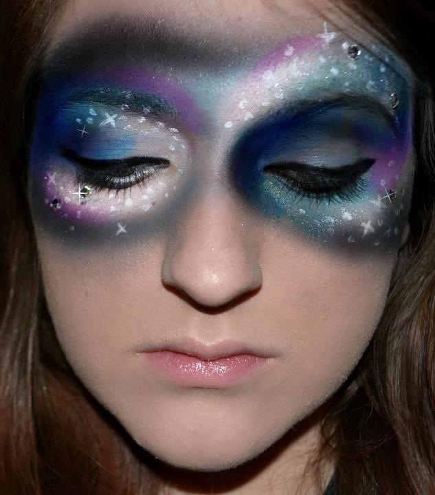 Really cool starry makeup! Halloween Pinterest - Cool Makeup Ideas