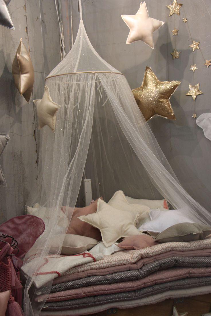 numéro 74 chambre d'enfants linge de lit coussin étoiles couette bedroom room bed stéphanie CAUMONT