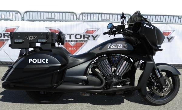 Daytona Politi vraker Harley-Davidson, går over til Victory
