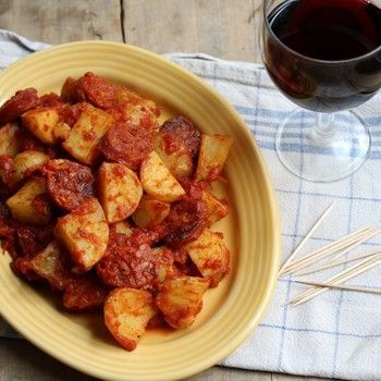 Slow Cooker Patatas Bravas is a delicious Spanish tapas dish, and is really simple to make in the slow cooker. By slow cooking the potatoes, they suck up all of the beautiful flavours from the sauce!