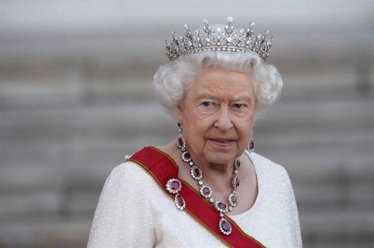 Elizabeth II, Birleşik Krallık Kraliçesi (Queen Elizabeth II UK))