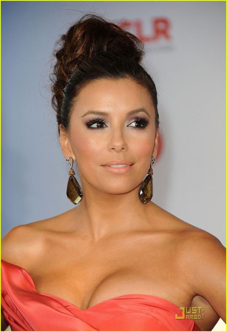 Eva Longoria Alma Awards 2011. Salmon / coral colored dress. Pretty makeup