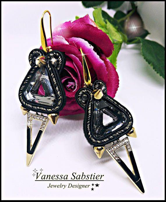 Guarda questo articolo nel mio negozio Etsy https://www.etsy.com/it/listing/514339732/earrings-black-spike