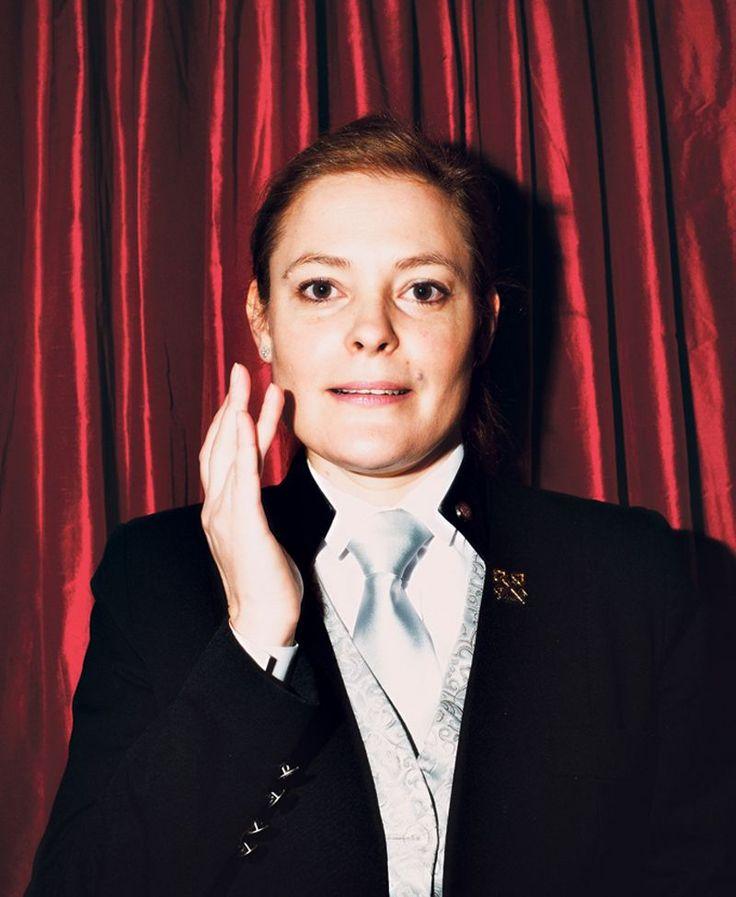 Sonia Papet est chef-concierge du palace parisien. Un métier où nez, doigté et disponibilité sont requis pour anticiper et satisfaire chacune des demandes du client-roi.
