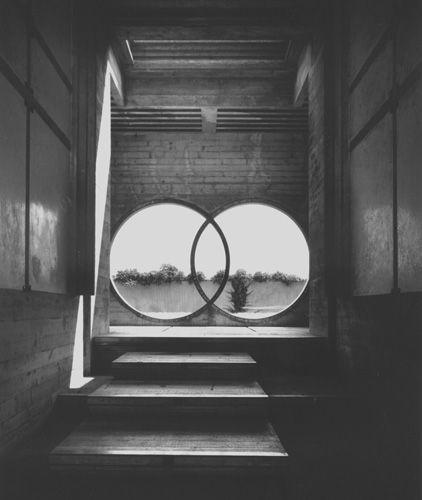 brion_tomb-circles1.jpg 422×500 pixels