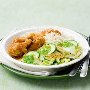 Recept - Kip ajam paniki met Chinese kool en komkommer - Allerhande