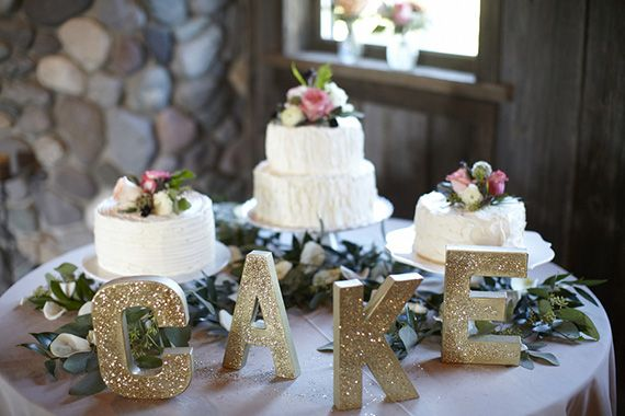 Rustic Washington wedding | Photo by Kate Price Photography | Read more -  http://www.100layercake.com/blog/?p=71472