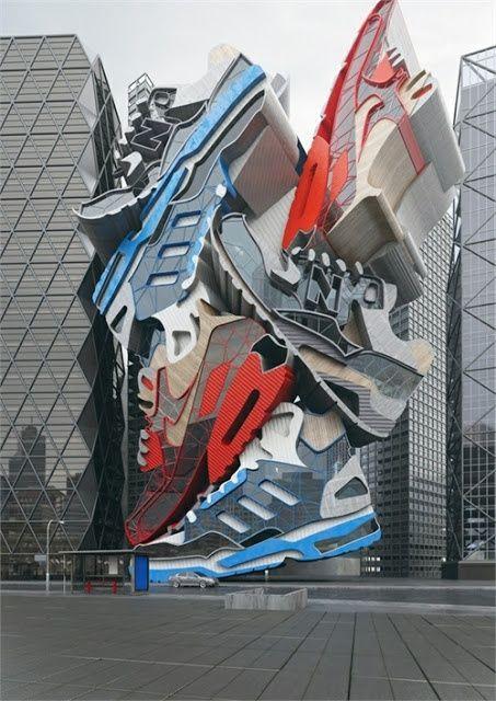 Lijkt op opgestapelde schoenen maar is gewoon een gebouw