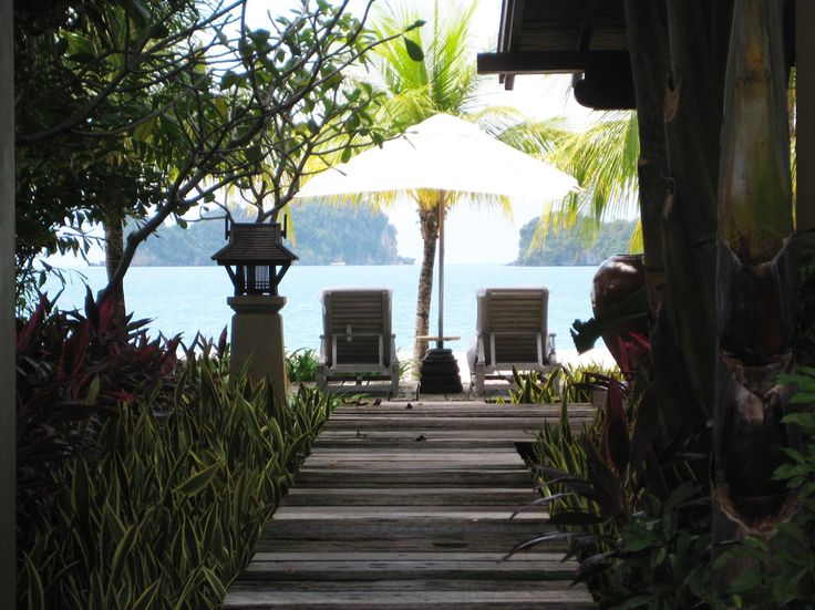 As you walk past the shallow pool in the bungalow at the Four Seasons Langkawi this is what you see, stunning!