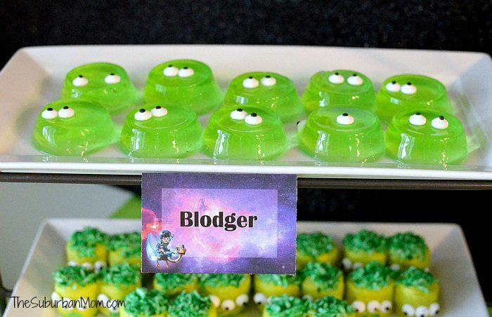 Miles From Tomorrowland Blodger – green jello jigglers with candy eyes …