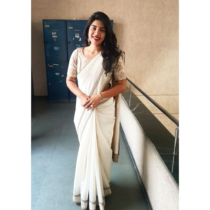 onam ashamsakkal! #onam #offwhite #saree #celebration #sabyasachi #mukherji #minimal #ariwork #border #designerwear