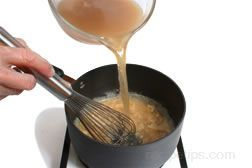 How to Make Turkey Gravy from RecipeTips.com!  - The perfect turkey gravy.
