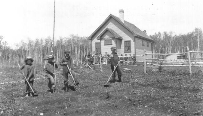 Poplar Point School 1910 : Digital Resources on Manitoba History