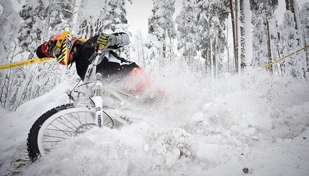 How to Ride Snow with Nico Vink, VinnyT and Friends // Epic Raw MTB - VIDEO - http://mountain-bike-review.net/discount-mountain-bikes/how-to-ride-snow-with-nico-vink-vinnyt-and-friends-epic-raw-mtb-video/ #mountainbike #mountain biking