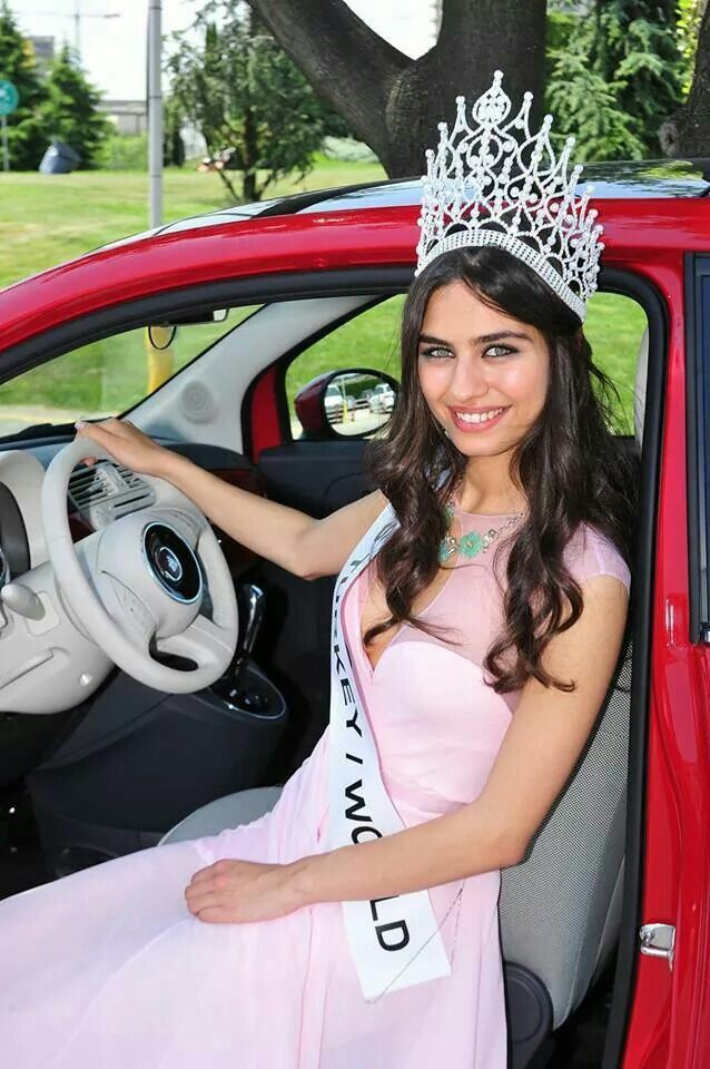 Miss turkey world, Amine Gulse