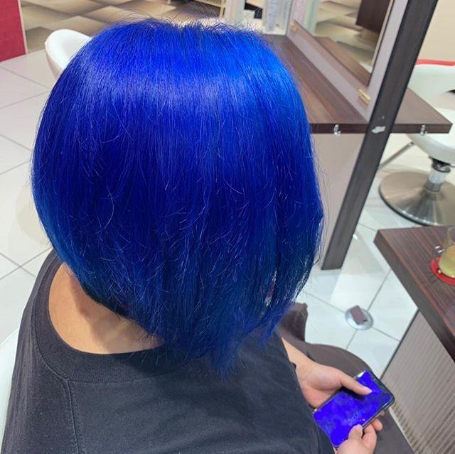しんちぃんさんはinstagramを利用しています ということで念願に青髪