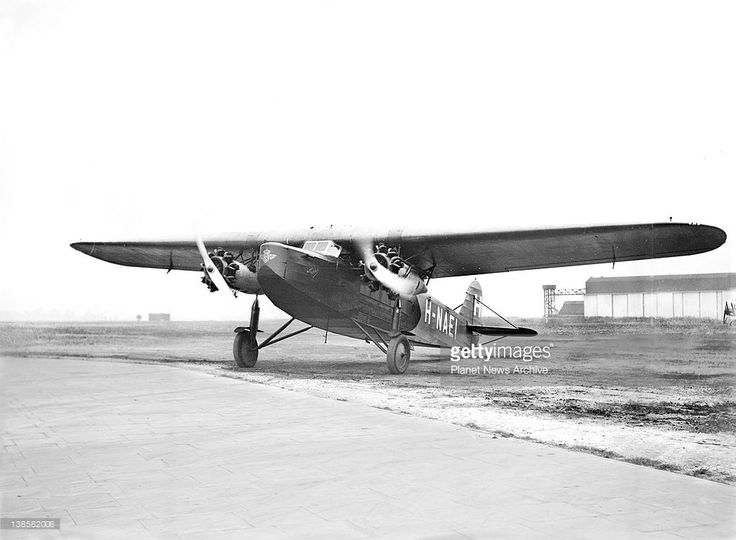 Lady Heath, the well known woman pilot, has become the first woman commercial pilot in aviation. Today, accompanied by a Dutch pilot J.B. Scholte, she piloted a Dutch plane carrying 15 passengers from Amsterdam to London.