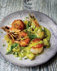 Pineapple, prawn and scallop curry (Laos)