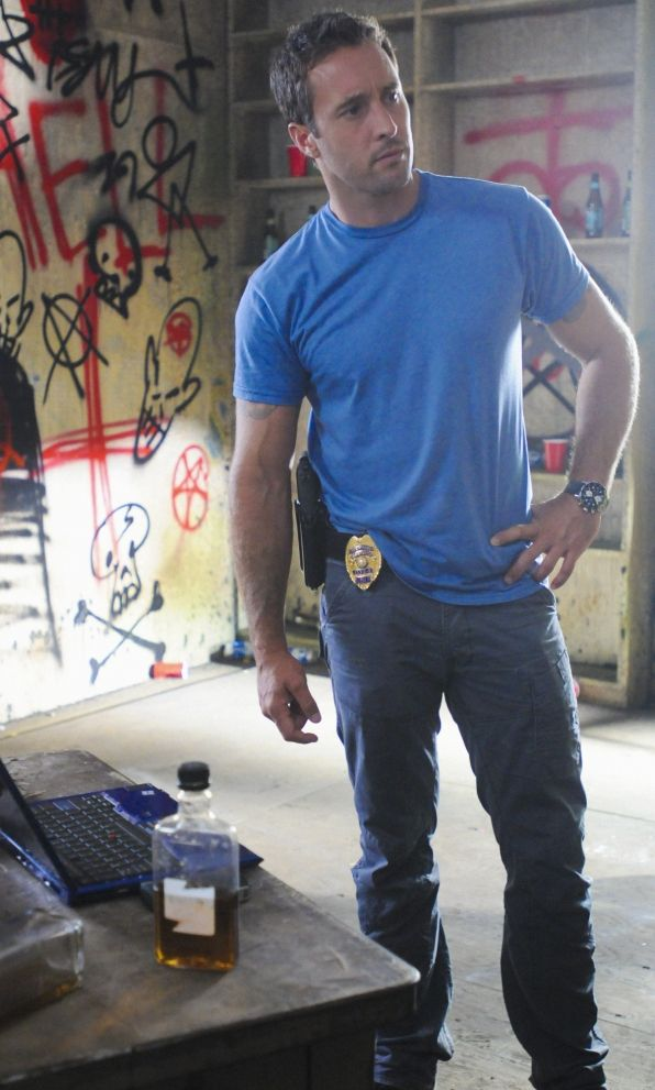 Hawaii Five-0 Photos: Writing on the Wall on CBS.com