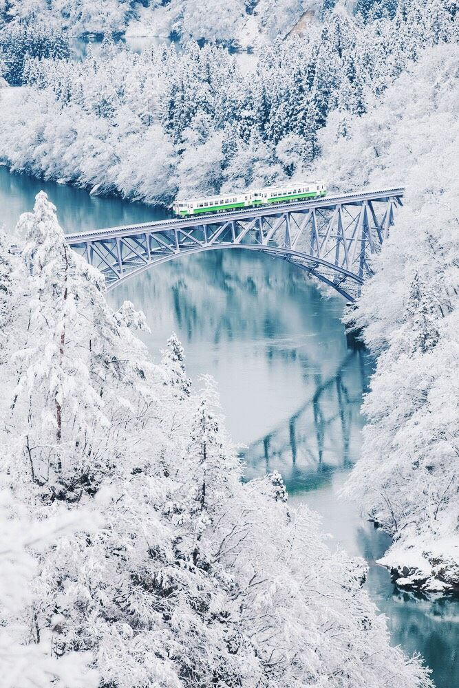 5 of the Most Scenic Train Journeys in Japan