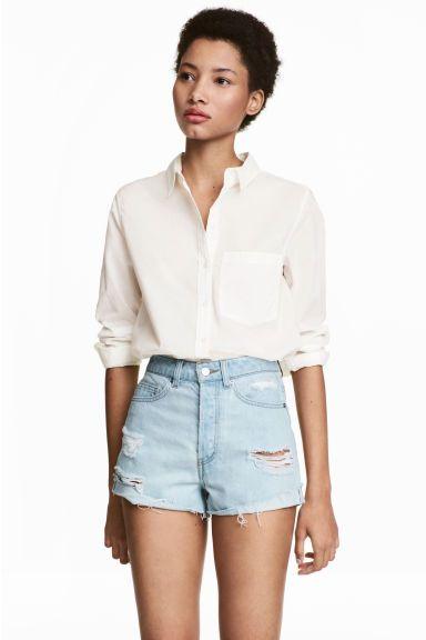 Pantalón corto High Waist - Azul denim claro/Trashed - MUJER | H&M ES