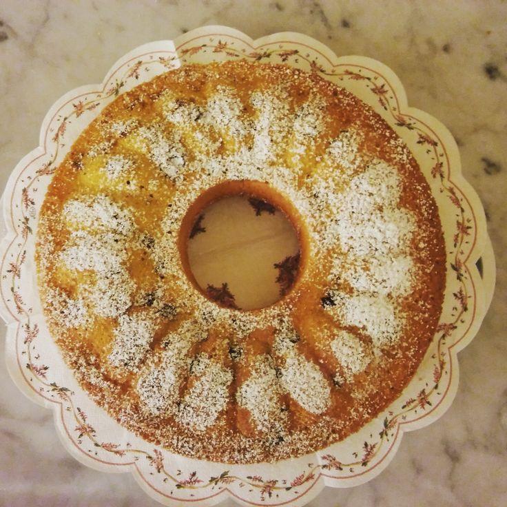 Come preparare la torta con pinoli e uva passa al profumo di limoni senza burro