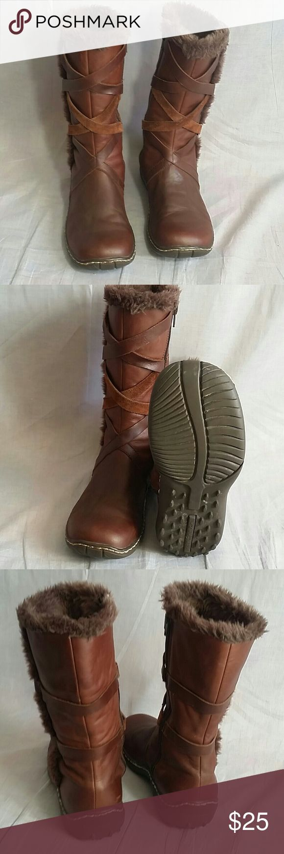 Women's Skechers Boots Shoes Brown 5.5 M Leather Item is in a good condition. Skechers Shoes Winter & Rain Boots