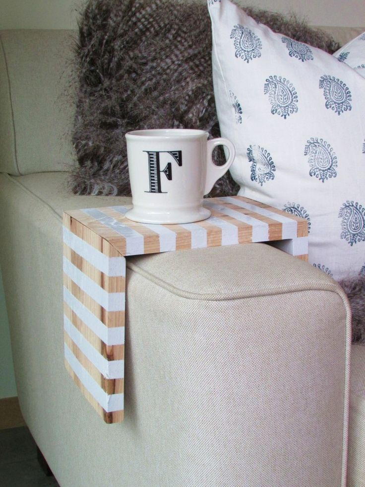 diy stripped drink perch tutorial, hand made wood bend over sofa to help you put down your coffee or chocolate mug while sitting cozily, reading or watching, esp. while raining~