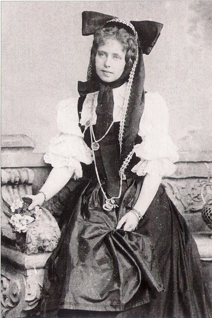 Marie of Romania usually had some sort of weird contraption on her head.