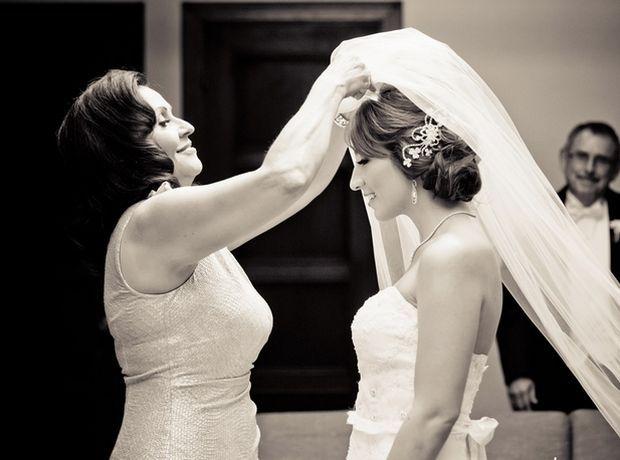 5 συμβουλές για να τους αναθέσετε μικρά tasks, ώστε να νιώσουν κομμάτι του γάμου σας.