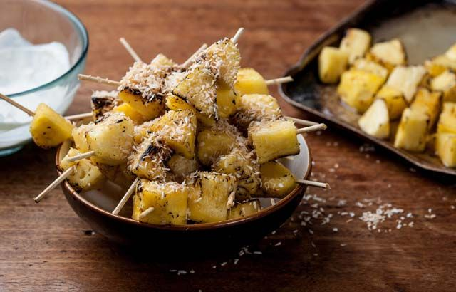 Pineapple kebabs with lime crème fraîche and toasted coconut - William Drabble