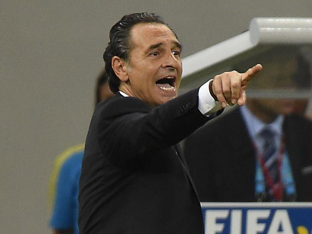 Cesare Prandelli criticises Valencia after exit
