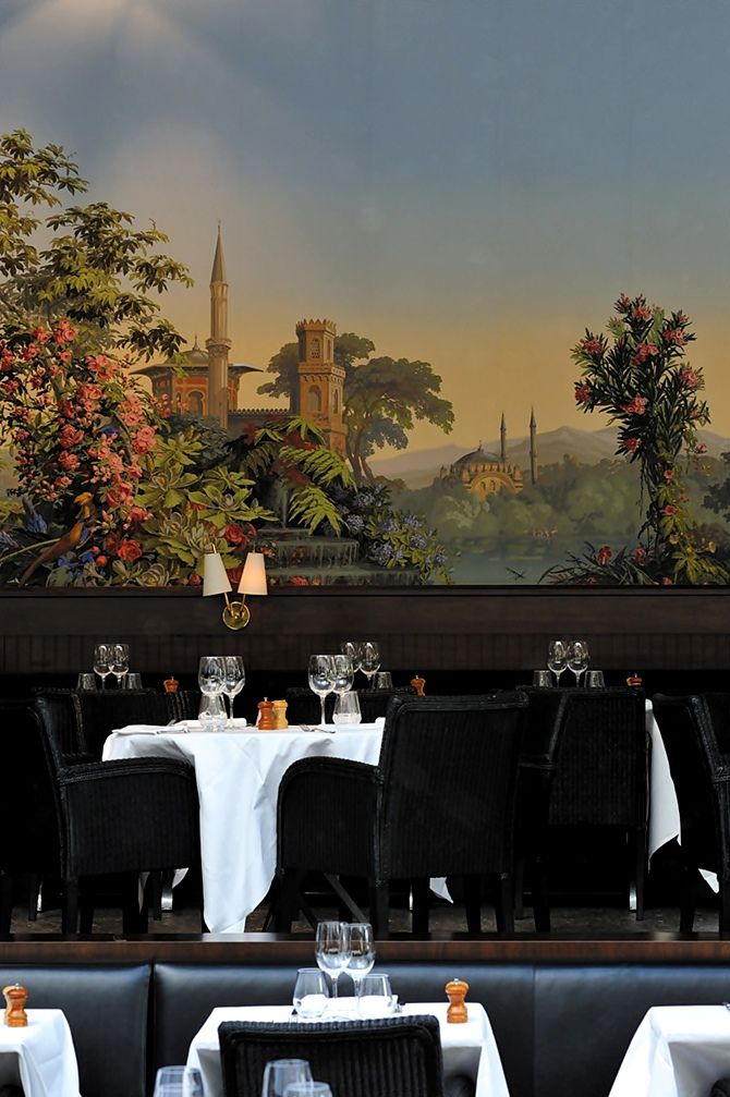La Gare, Luxury Restaurant in Paris designed by Laura Gonzalez. #restaurantsnearme #bestrestaurants #luxuryrestaurants luxury holidays, lighting design, interior design. See more inspirations at www.luxxu.net