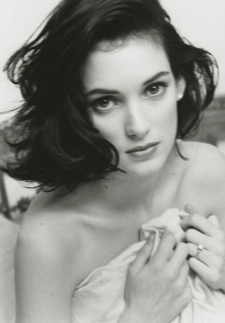 young winona ryder back in 1990. I still love her so. I miss seeing her on the screen.