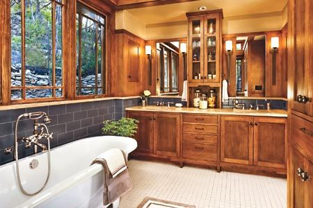 Great Craftsman style bathroom