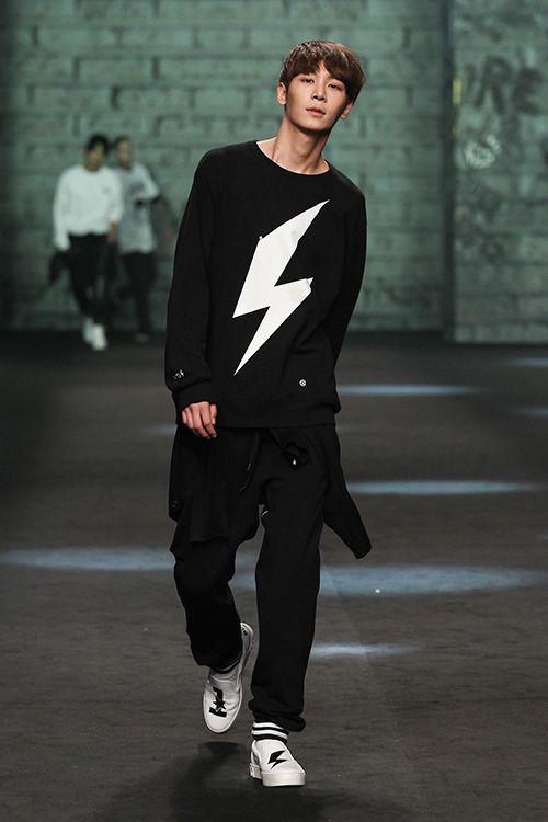 Lee Cheol Woo - Supercomma Fall 2015 Seoul Fashion Week