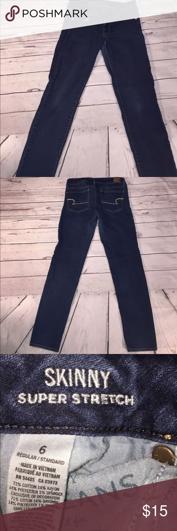 American eagle skinny super stretch jeans size 6 Woman's American eagle super stretch jeans size 6, waist 15, rise 8, inseam 29.5 American Eagle Outfitters Pants Skinny