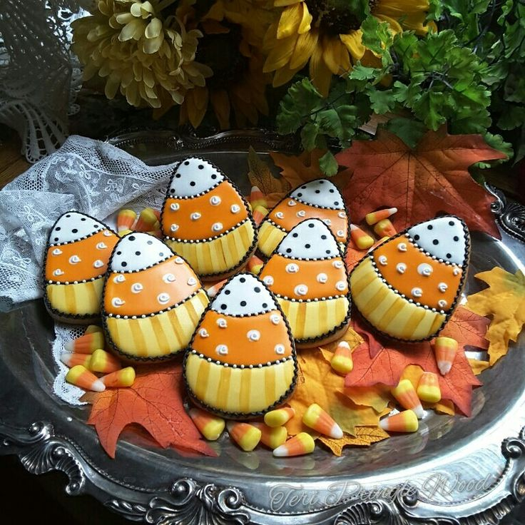 image only - Halloween Decorated Cakes