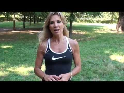 Braccia rilassate ed effetto tendina, come tonificarle con 5 semplici esercizi - YouTube