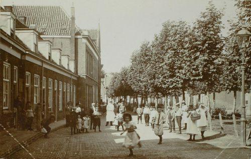 Oud-Katholieke Kerk Delft - Een halve eeuw pastoor Harderwijk (3 delen)